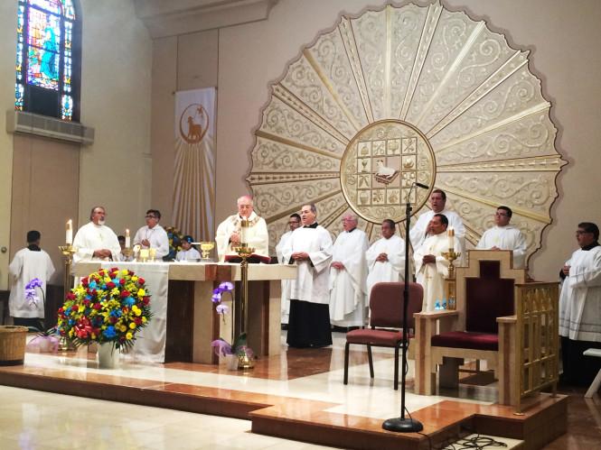 Misa por Ecuador