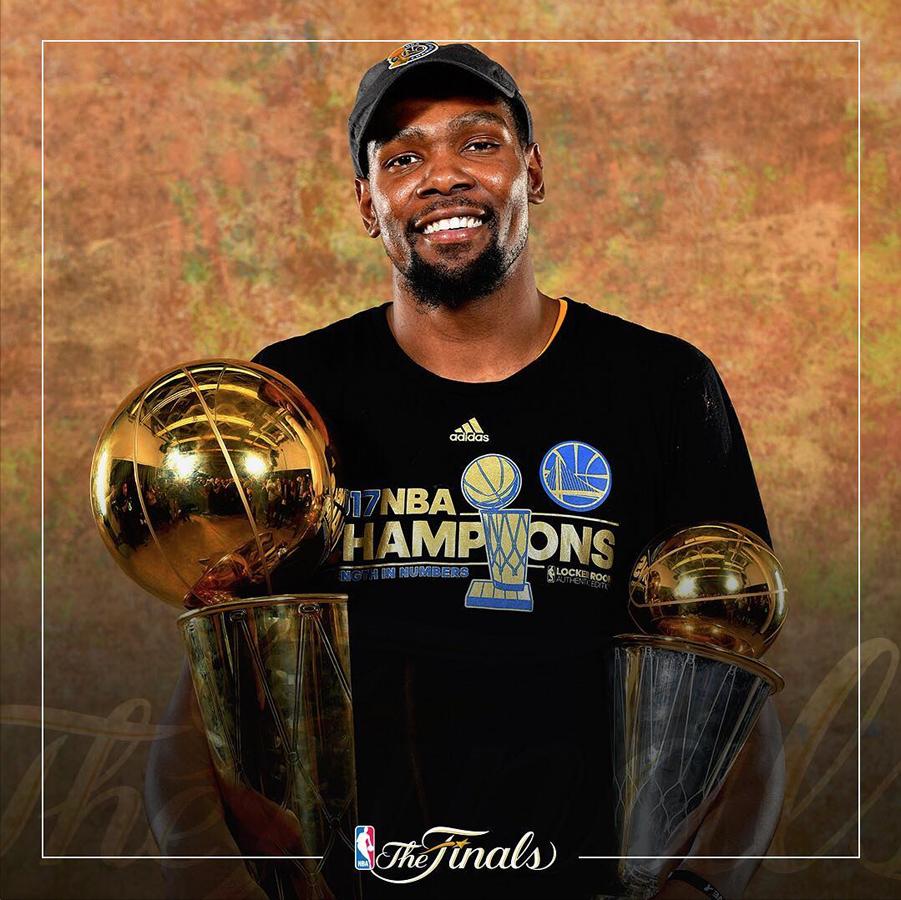 Klay Thompson, Durant, Curry, Green y compañía le dieron a los aficionados de los Warriors un nuevo campeonato de la NBA.