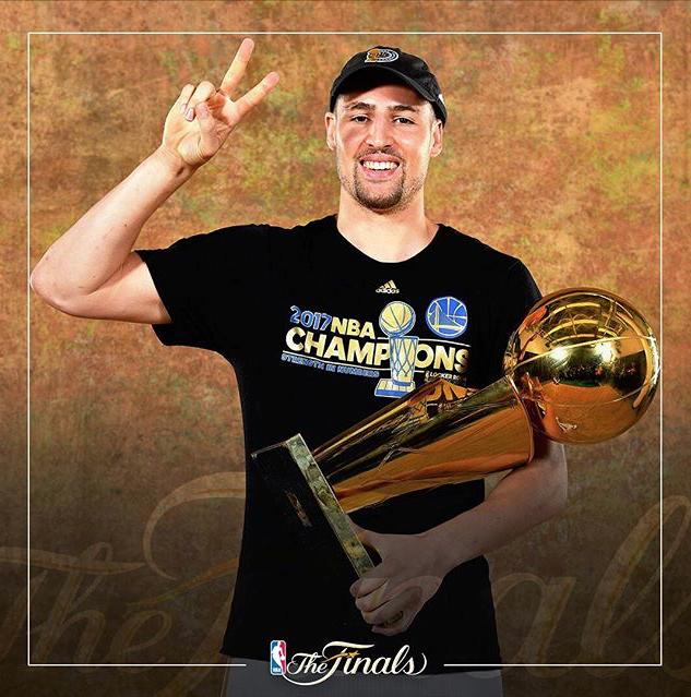Kevin Durant fue elegido MVP de la final de la NBA y consiguió su primer anillo de campeón.