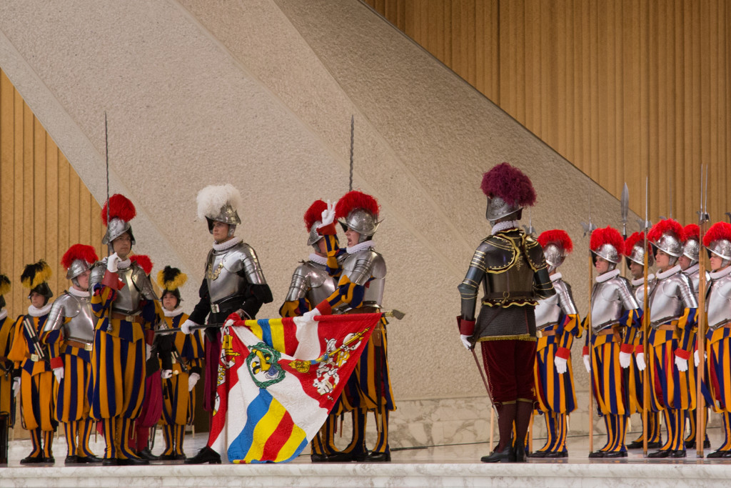 Swiss_guard_swearing_in