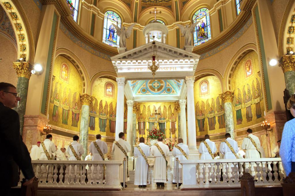 Diócesis de Brooklyn celebra a sus 10 nuevos sacerdotes