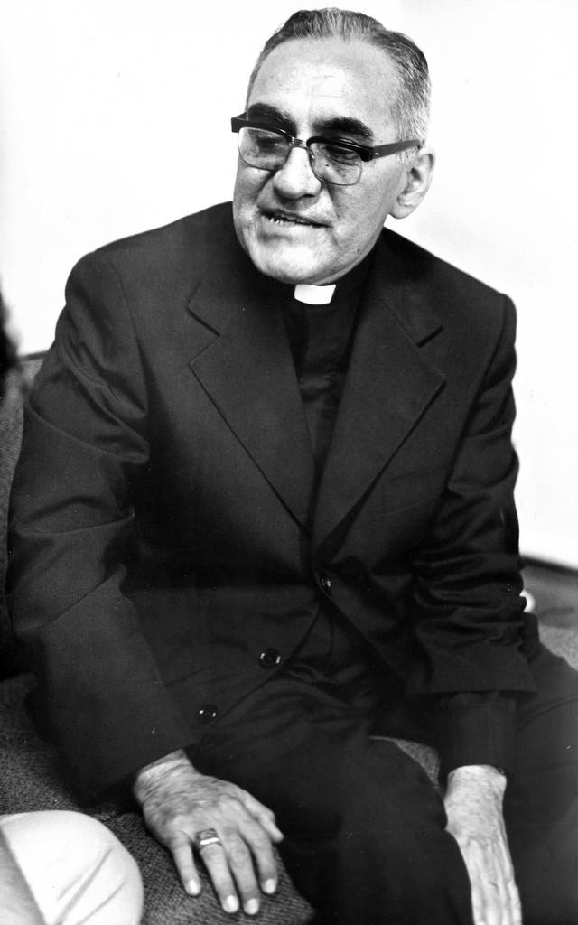 Fotos: Catholic News Service. Monseñor Oscar Arnulfo Romero, arzobispo de San Salvador, El Salvador.