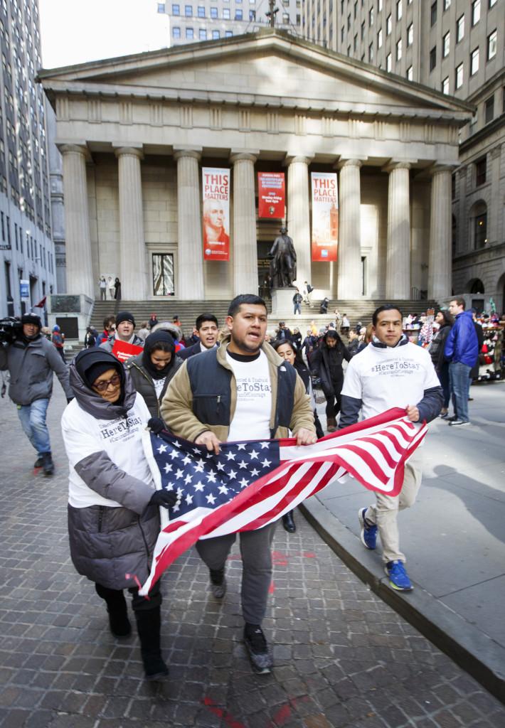 Defensores de los inmigrantes marcharon en Nueva York, el 22 de noviembre de 2016.