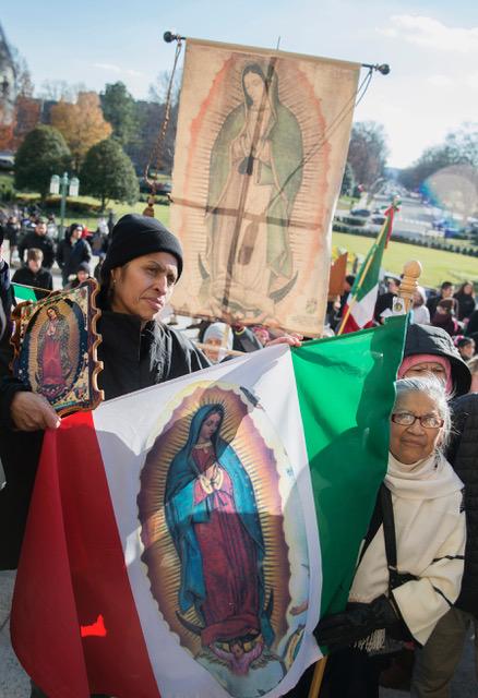 La Virgen, signo de esperanza del inmigrante