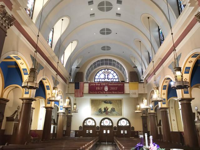 Con motivo del centenario de la parroquia se restauraron las pinturas que se encuentran a lo largo del templo.