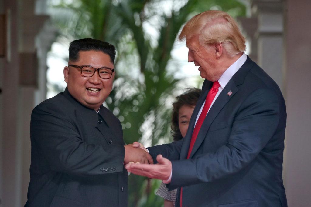"""Nuncio elogia """"histórico encuentro"""" entre Trump y Kim"""