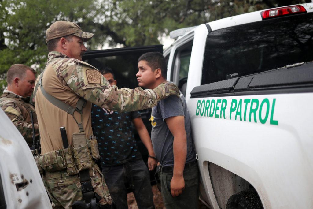 Obispos viajan a la frontera para protestar por políticas migratorias