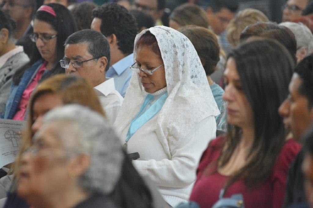 Corpus Christi en Woodside fue una fiesta de naciones