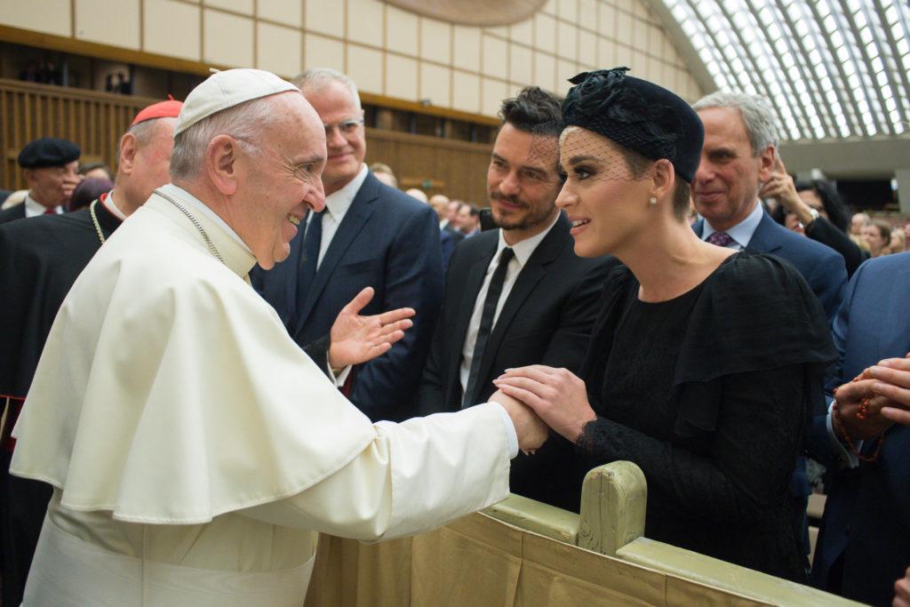 """""""El Papa es un rebelde, pero un rebelde por Jesucristo"""", dice Katy Perry"""