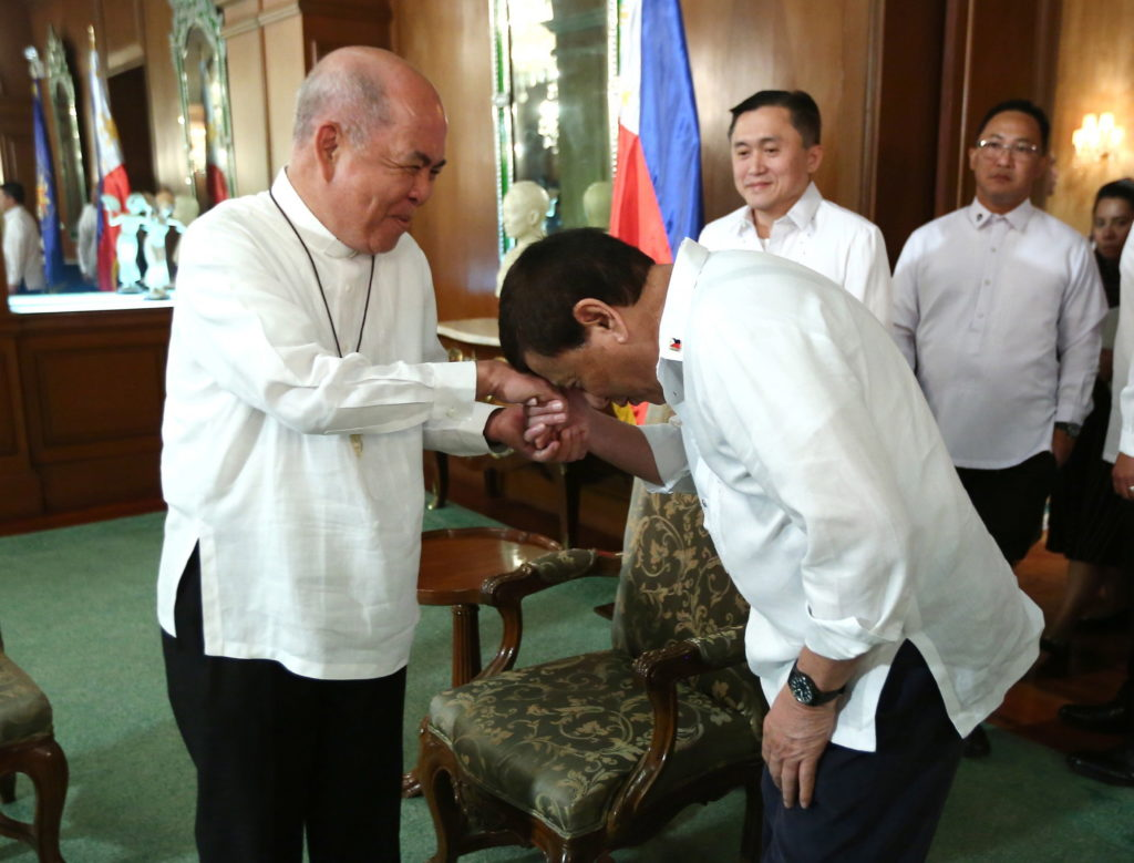 Duterte promete dejar de atacar a la Iglesia si los obispos dejan de criticarlo