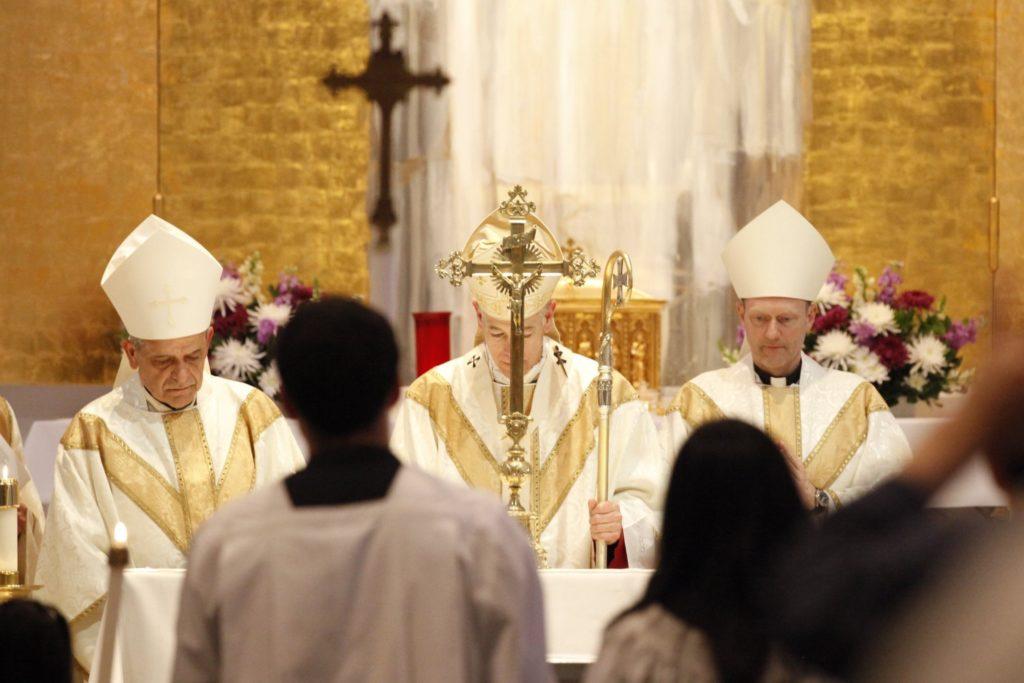 """""""Debemos enamorarnos de Dios"""", dice arzobispo de Portland"""