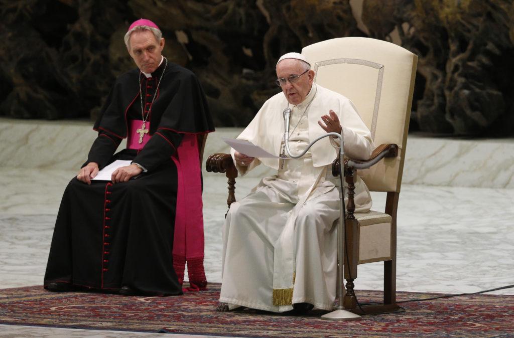 """""""Los ídolos piden sangre"""", dice el papa Francisco"""