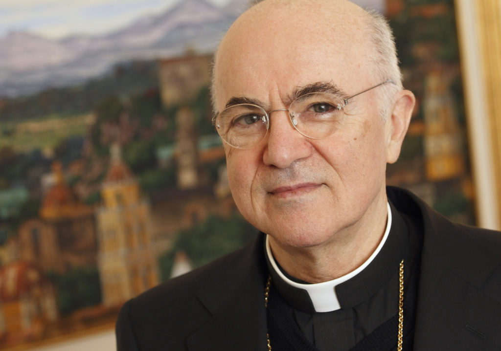 Exnuncio en EEUU le pide al papa Francisco que renuncie
