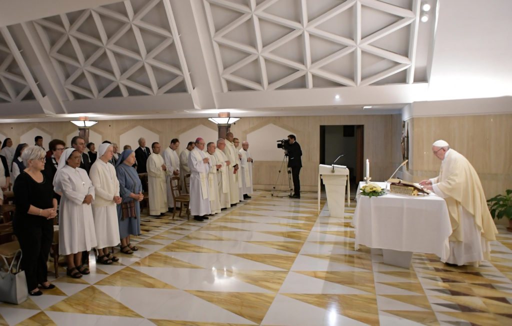 El papa Francisco: Silencioso pero no callado frente a escándalo vaticano