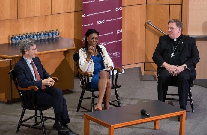 """Se necesita una """"economía moral"""" para alcanzar desarrollo integral, dice panel"""
