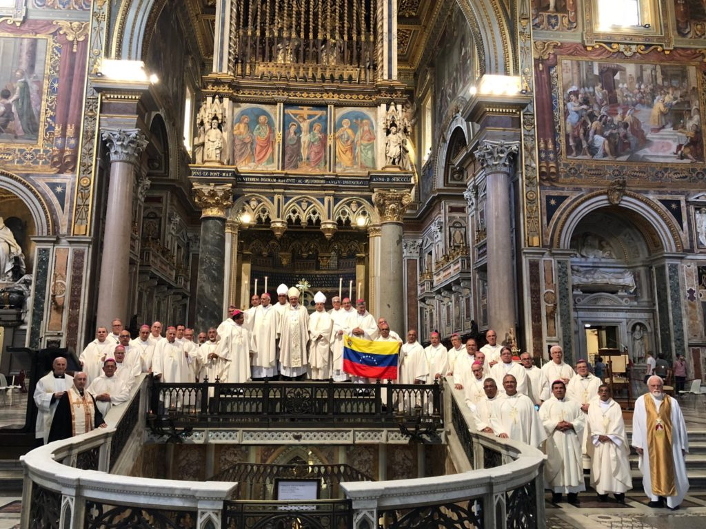 El papa pide a obispos venezolanos permanecer cerca de su pueblo