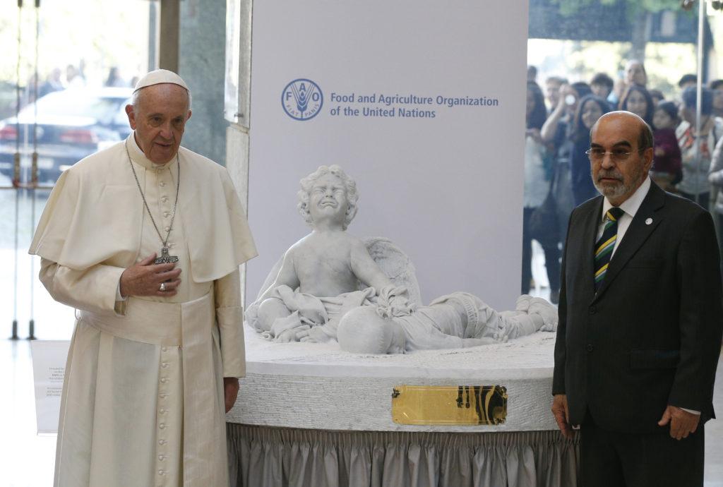 Es una vergüenza el poco avance en combatir el hambre, dice el papa