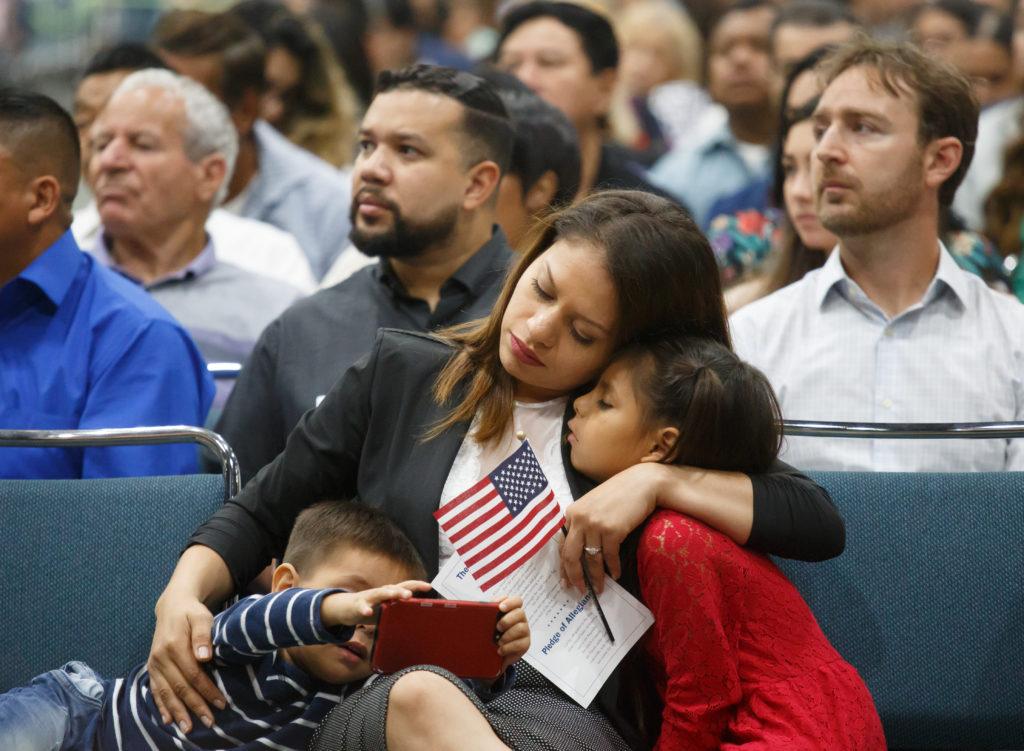 Católicos preocupados por cambios en ayuda pública para inmigrantes