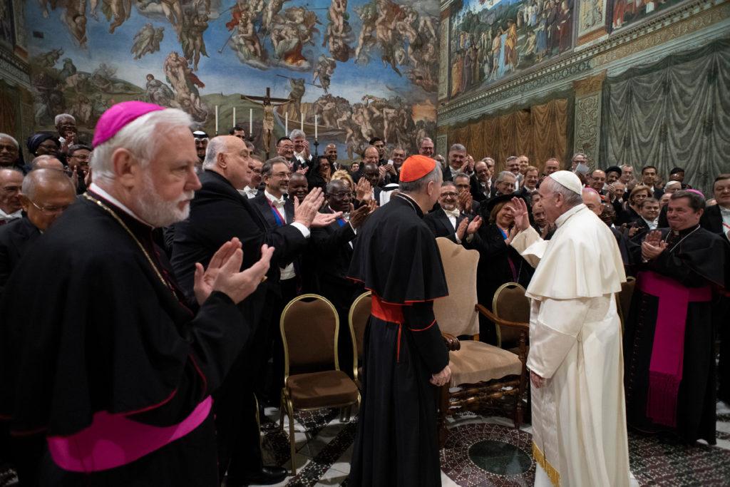 Las 'tendencias nacionalistas' amenazan la paz mundial, dice el Papa a diplomáticos
