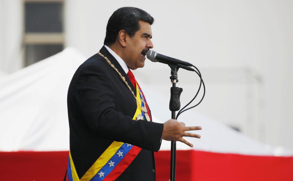 Obispos venezolanos dicen que gobierno de Maduro es ilegítimo, piden cambio