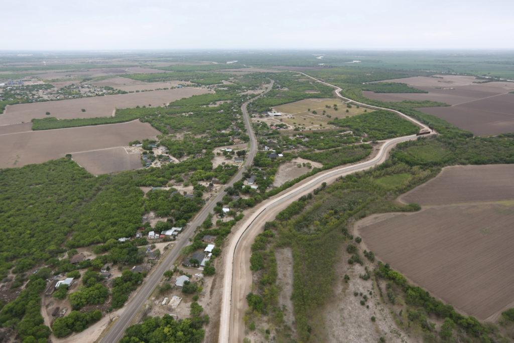 Juez ordena inspección de propiedad de la iglesia para construcción de muro fronterizo