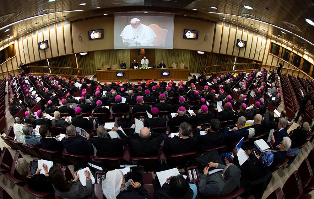 Cumbre del Vaticano comienza con reconocimiento del mal cometido