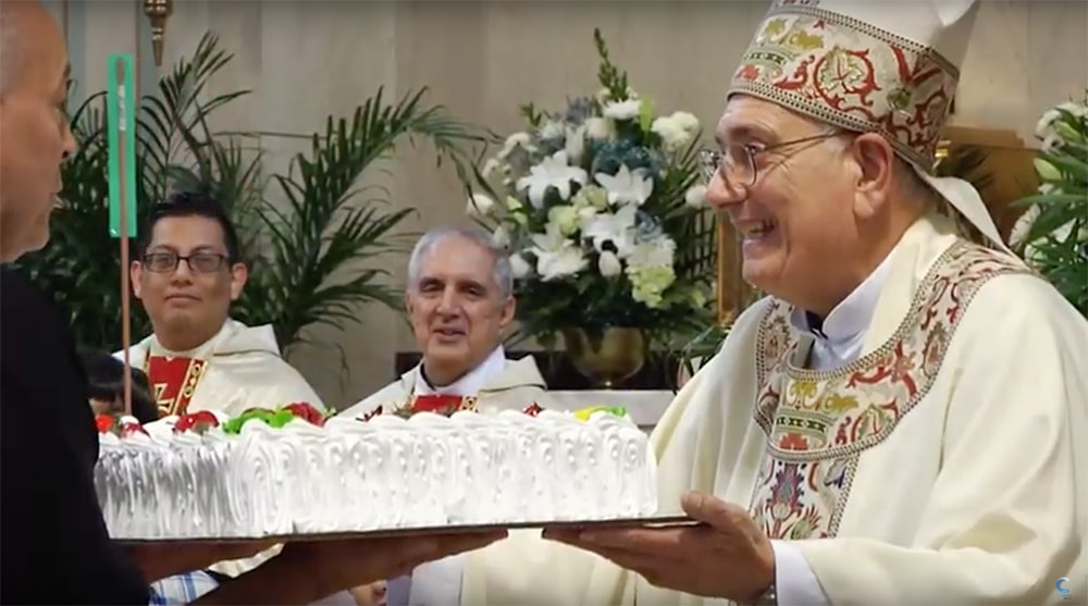 Mons. DiMarzio celebra 75 cumpleaños en iglesia de Brooklyn