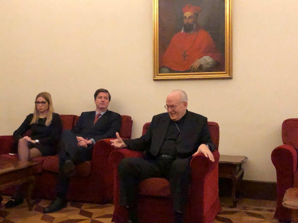 Cardenal Péter Erdő presenta Congreso Eucarístico Internacional.