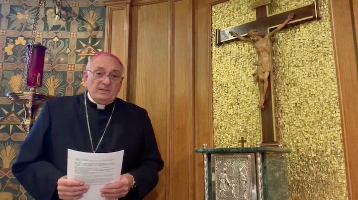 Mons. DiMarzio niega alegación de abuso en una demanda presentada un año después de la denuncia