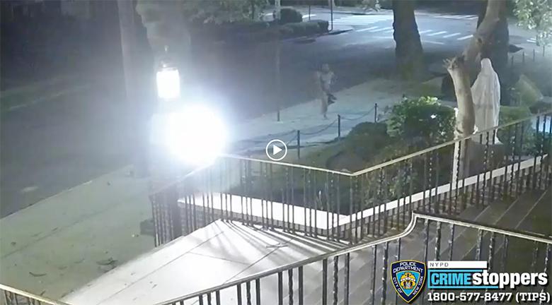 NYPD publica vídeo de vandalismo en iglesia en Queens