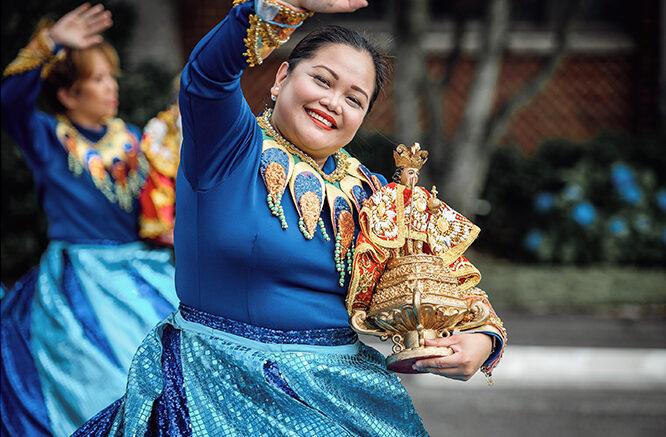 ¡Viva el Santo Niño! Filipinos salen a la calle para celebrar su fiesta